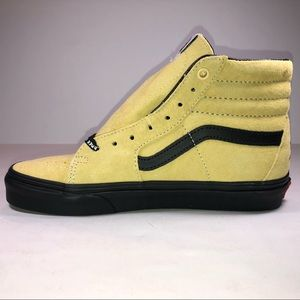 Vans Shoes - Vans (ATCQ) Mellow Yellow Bonita Applebum Sneakers 63c323b60